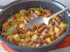 SALCHICHAS AL VINO Kitchen Recipes, My Recipes, Cooking Recipes, Bratwurst, Tasty Videos, Air Fryer Recipes, Main Meals, Tapas, Sausage
