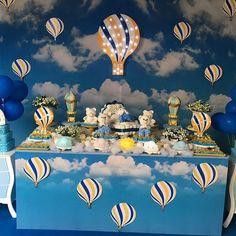 Um chá de fraldas bem diferente para o Paulo Augusto! Um céu com lindos balões de ar quente, onde os voam os mais sublimes desejos de ternura pela linda criança que está chegando... #thiagolimirio #thiagolimirioeventos #festamenino #festainfantiloficial #decoracaoinfantil #festadelicada #celebrandoavida #inspiracao #inspiration #festadecriança #childrenparty #chadefraldas #chadeberço #chadeberco #charevelacao #festadebaloes #baloes #balaoarquente #festabalao #festabalaoarquente…