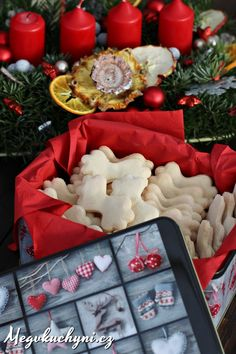 Zázvorky Xmas Cookies, Christmas Baking, Cookie Recipes, Gift Wrapping, Table Decorations, Gifts, Cakes, Recipes For Biscuits, Gift Wrapping Paper