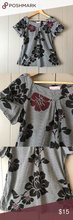 "Floral Koi by Kathy Peterson Scrub Top Super cute top in like new condition! Pockets on the side. Armpit to armpit is 20"". Length is 25"". Offers are welcome. ☺️ Tops"
