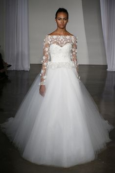 Regarding the latest wedding dress trends 2013 collection, we can be very short: Everything is possible! In the collections of wedding dresses 2013 is a cheerful mix of styles, and you can pretty much go either way.