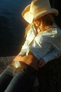 Country girl style. Source: justcowgirls