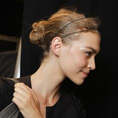 Easy Hairstyle Ideas For Growing Out Bangs 2011-07-07 06:00:00 Photo 2