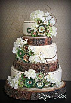Tree trunk wedding cake. How creative!