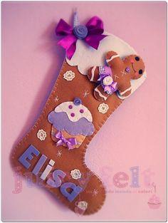 Family Christmas Stockings, Art Christmas Gifts, Felt Christmas Decorations, Xmas Stockings, Felt Christmas Ornaments, Christmas Time, Felt Diy, Felt Crafts, Christmas Inspiration