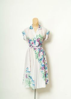 Vintage Avon dress/ 70s dress / Retro / by VintageBoxFashions
