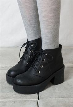 90s lace up grunge punk rock platform ankle boots style2