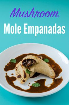 Vegan Empanadas filled with mushrooms in mole sauce. They are Mexican version of a classic empanada. They are baked and low-fat for a healthy and delicious vegetarian option (Mexican) Vegan Mexican Recipes, Vegan Dinner Recipes, Veg Recipes, Mushroom Recipes, Vegan Dinners, Easy Healthy Recipes, Vegetarian Recipes, Cooking Recipes, Tapas