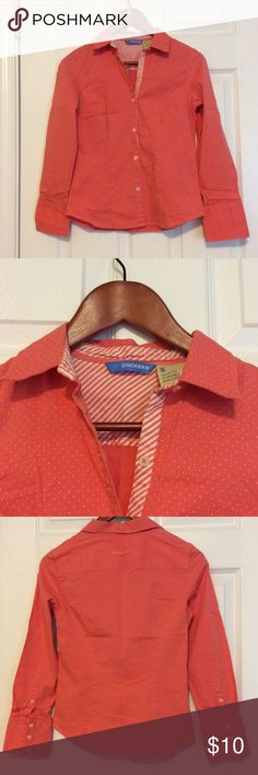 Dockers Button Down Shirt Perfect shirt in a very nice color, good condition. Tops Button Down Shirts