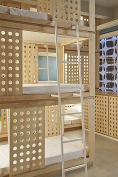 Giường PKB + vital enliven rioow hostel with traditional latticework Using A Room Humidifier For Hea Bed Design, House Design, Espace Design, Capsule Hotel, Bunk Rooms, Bunk Beds, Student House, Interior Decorating, Interior Design