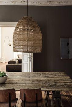 Interior Design Porn: A Century Berlin Apartment Rustic Lamp Shades, Modern Lamp Shades, Decoration Shabby, Rustic Decor, Rustic Chic, Rustic Wood, Boho Chic, Shabby Chic, Home Interior Design