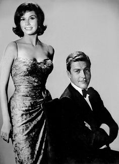 Mary Tyler Moore and Dick Van Dyke, TV's most endearingly wonderful early 60s couple. #TV #television #1960s #sixties #vintage #retro