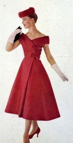 Rotes Satinkleid von Jeanne Lanvin Castillo, 1956 Red satin dress by Jeanne Lanvin Castillo, 1956 Jeanne Lanvin, Moda Vintage, Moda Retro, Vintage Fashion 1950s, Fifties Fashion, Vintage Couture, 1950s Fashion Dresses, Fashion Clothes, 50s Dresses