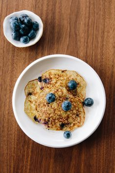 A CUP OF JO: Two-ingredient pancakes