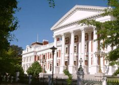 Government- This is the Houses of Parliament in Cape Town. This house is also a big tourist attraction. South African News, African States, New Africa, Cape Town South Africa, Port Elizabeth, Houses Of Parliament, Real Estate Leads, Holiday Destinations, Blog