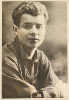 Russian poet Sergei Esenin in 1924 (1895-1925).