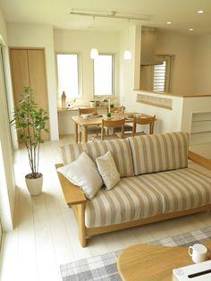 丸みのある家具とスクエアな家具どちらが好みですか?内装が同じLD空間に2パターンのデザイン提案 | 家具なび ~きっと家具から始まる家づくり~ 名古屋・インテリアショップBIGJOYが家具の視点から家づくりを提案