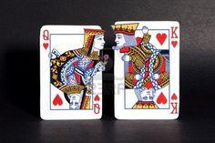 Roi et reine des cœurs cartes à jouer courtiser les uns les autres. Banque d'images