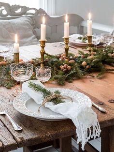 I sagostämning -Julreportage i Tidningen lantliv artesanato ideias decoração natalina passo a passo mesa posta arranjo faça vc mesmo diy presente centrodemesa pinha artesanais mesa de natal ceia de natal