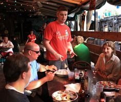 5 places to eat and drink near Busch Stadium