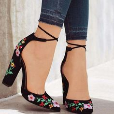 Embroider Lace up High Thick Heels Shoes