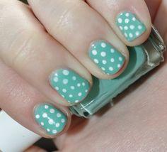 nail art polka dots!