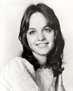 Pamela Sue Martin(born January is an American actress best known for playing Nancy Drew onThe Hardy Boys/Nancy Drew MysteriesTV series Classic Tv, Classic Beauty, Nancy Drew Series, Pamela Sue Martin, Der Denver Clan, The Poseidon Adventure, Female Of The Species, Woman Face, Old Hollywood