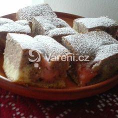 Hrnkový recept na jemný koláč s ovocem. Rychlý a chuťově jemňoučký moučník. French Toast, Breakfast, Food, Morning Coffee, Essen, Meals, Yemek, Eten