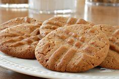 4-Ingredient Peanut Butter Cookies   #justeatrealfood #skinnyms