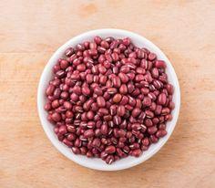 昔流行った韓国で有名な「小豆水ダイエット」について勉強していきましょう♪小豆(あずき)は血行を良くする効果やむくみを軽減する作用もあり、食物繊維も豊富なので、便秘も解消するそうです。楽して痩せたい方にオススメです!