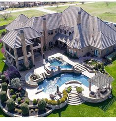 Gorgeous home exterior. Big mansion with back yard pool Hinterhof Ideen Luxus 22 Best Luxury Living Room Ideas - fancydecors Future House, Dream Home Design, House Design, Floor Design, Design Exterior, Dream Mansion, Mansion Houses, Luxury Homes Dream Houses, Dream Pools