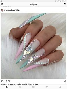 a9cbbac998cc If unicorns were nails...🦄 Bling Nail Art
