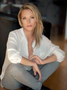 Linda Rybová: Nadechuju se k novým věcem - Novinky. Jennifer Hall, Charli Xcx, Love Is Sweet, Blue Velvet, Naked, Celebrities, Sexy, Beauty, Woman