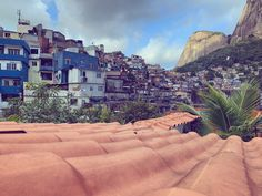 Top 10 tips for travelling to Rio - Hooray Weddings Rio Brazil, Brazil Travel, Tropical Beaches, Love And Lust, Honeymoons, Old Buildings, Holiday Destinations, Exploring, Hiking
