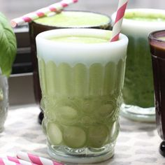 5 smoothies are delicious, low in calories, and high in protein and healthy fats.