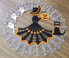 Crochet Patterns - Crochet Doily Patterns - Crochet Halloween Doily Patterns - Crochet Beggar's Night Ball Pattern