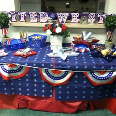 4th of July by Jen the life class room refreshment table decoration for June and July