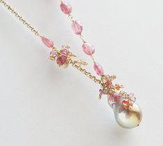 Perle Charm Pink Turmalin Colorchange Granat von CrysallisCreations
