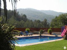 Casa espaciosa de 7 dormitorios, cerca de Sitges y sus playas, Barcelona Sitges, Barcelona, Villa, Outdoor Decor, Home Decor, Home, Beaches, Vacations, Yurts
