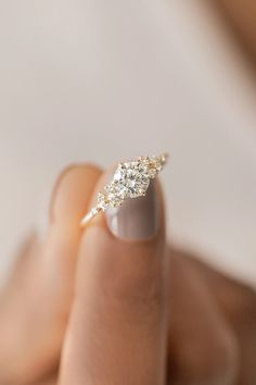 Cute Rings, Pretty Rings, Pretty Wedding Rings, Beautiful Rings, Dainty Engagement Rings, Affordable Engagement Rings, Different Engagement Rings, Most Beautiful Engagement Rings, Diamond Cluster Engagement Ring
