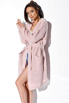 Shop Fit and Flare Skater Dresses at Tobi. Whether it's a white lace skater dress, black long sleeve or red skater dress - find it here. Day Dresses, Cute Dresses, Dresses For Work, Pink Dresses, Red Skater Dress, Mode Shop, Short Kimono, Bridesmaid Robes, Mantel