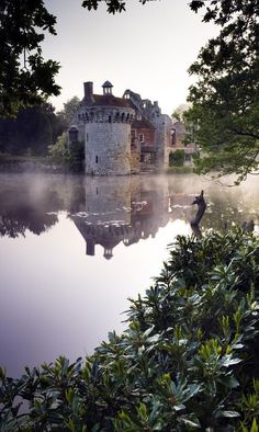 5 REAL LIFE STORYBOOK CASTLES IN ENGLAND