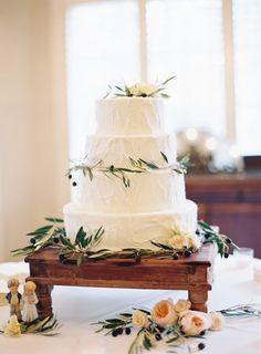 Botanical Fall Garden Wedding at Historic Cedarwood   Cedarwood Weddings #cedarwoodweddings #weddings #weddinginspiration