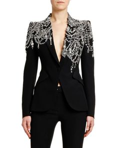 Outfits Alexander McQueen Crystal-Embellished Jersey Blazer Jacket Landscaping With Rocks Will Spotl Look Fashion, Fashion Details, High Fashion, Luxury Fashion, Womens Fashion, Fashion Design, Tomboy Fashion, Fashion 2018, Fashion Brands