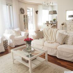 sohvapöytä,olohuoneen pöytä,lasipöytä,valkoinen sisustus