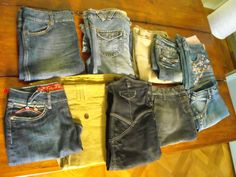 Lotti 10 gonne e mini gonne jeans donna tg: 40 al 48 grandi firme usate €45,00 incluso spedizione.