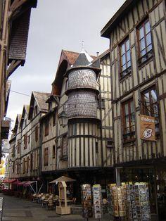 Troyes, ville médiévale Rue Champeaux, tourelle de la maison des orfèvres, fin XVe-début XVIe