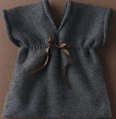 Breipatroon baby jurkje met V-hals van ....