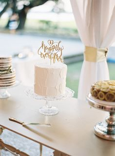 A trio of cakes by PPHG pastry chef Jessica Grossman at Lowndes Grove Plantation | Wedding cake inspiration | Photo by Virgil Bunao
