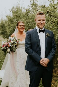 bride walking up behind groom to tap his shoulder for wedding day first look Outdoor Wedding Pictures, Wedding Picture Poses, Wedding Poses, Wedding Shoot, Barn Wedding Photos, 1920s Wedding, Wedding Signs, Wedding Ideas, Wedding First Look